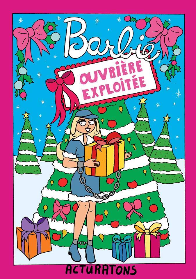 Dessin drôle de Barbie ouvrière, enchaînée à un cadeau devant un sapin de Noël