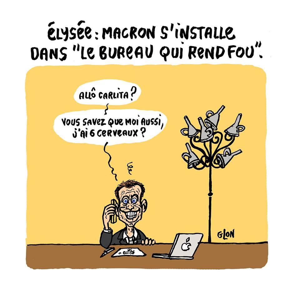 """dessin humoristique d'Emmanuel Macron dans le """"bureau qui rend fou"""""""
