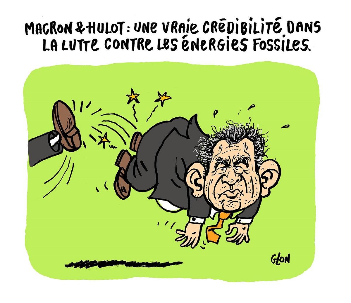 dessin drôle de François Bayrou poussé à la sortie du gouvernement à coups de pied