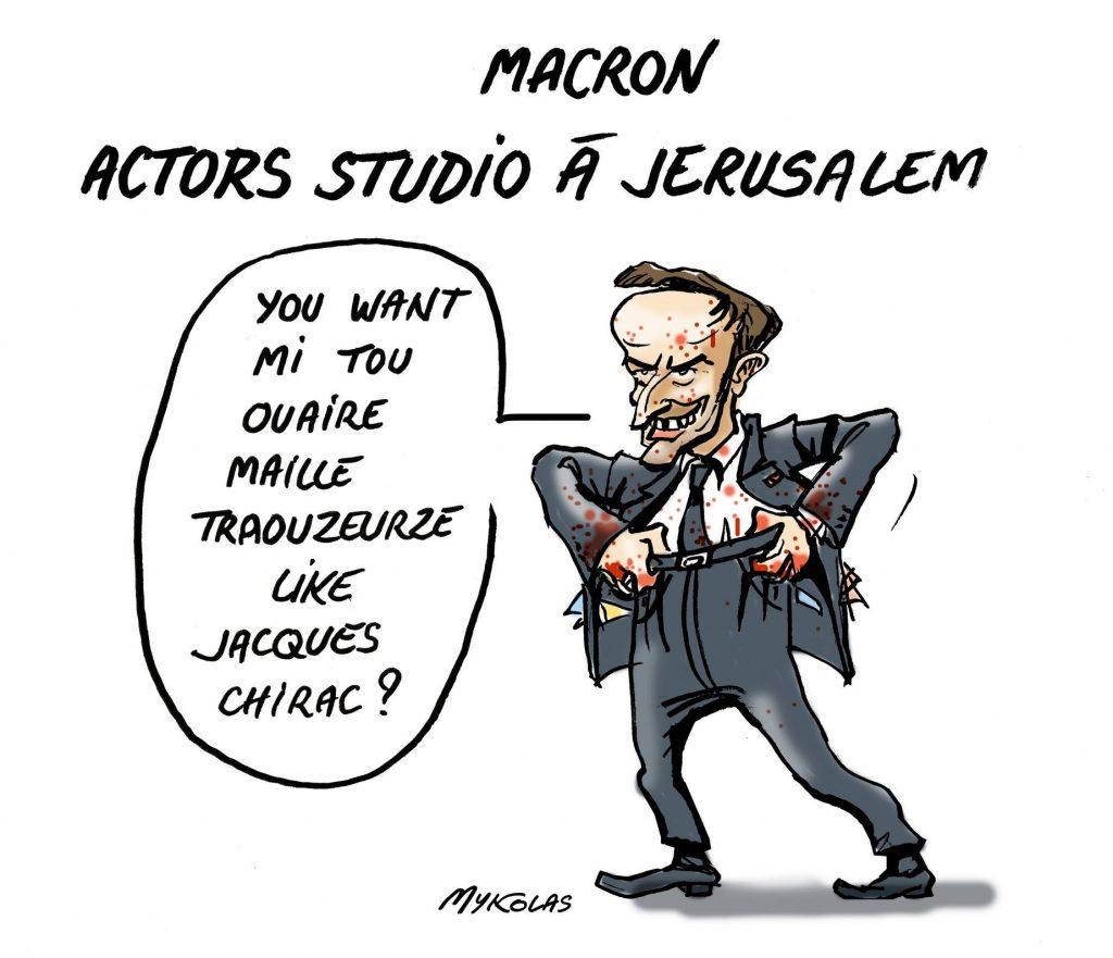 dessin d'actualité humoristique de Mykolas sur le voyage officiel d'Emmanuel Macron à Jérusalem et son imitation de Jacques Chirac