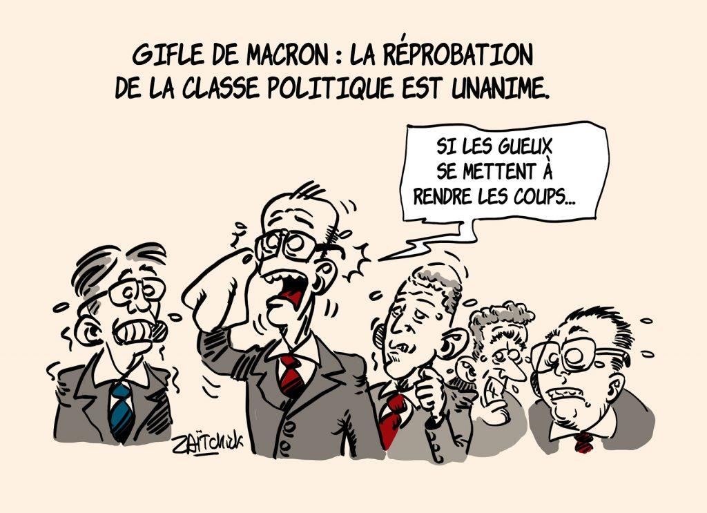 dessins humour gifle Emmanuel Macron Tain-l'Hermitage image drôle réprobation classe politique
